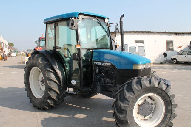 New Holland TN75s
